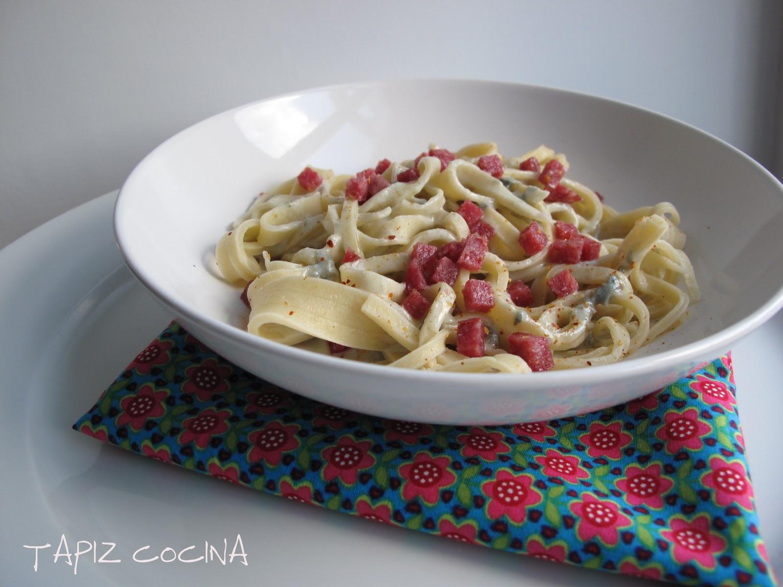 Tapiz cocina y guindillita pasta fresca con roquefort for Utensilio para amasar