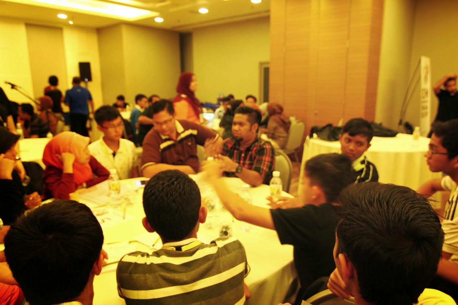 Wan Hafiz di Kem Pembangunan Remaja Kreatif 2014