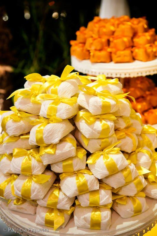 Decoração do Casamento Amarelo, Laranja e Branco  Solteiras Noivas