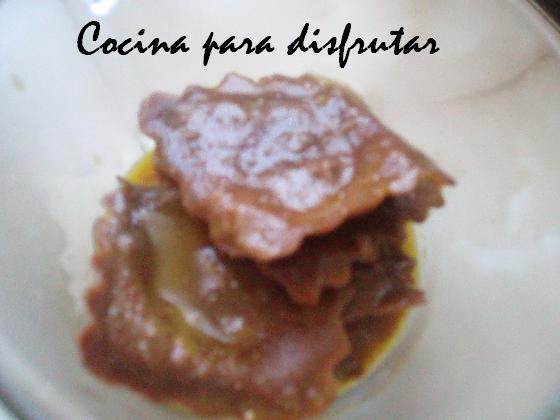 PASTA FRESCA DE CHOCOLATE CON SALSA DE NARANJA