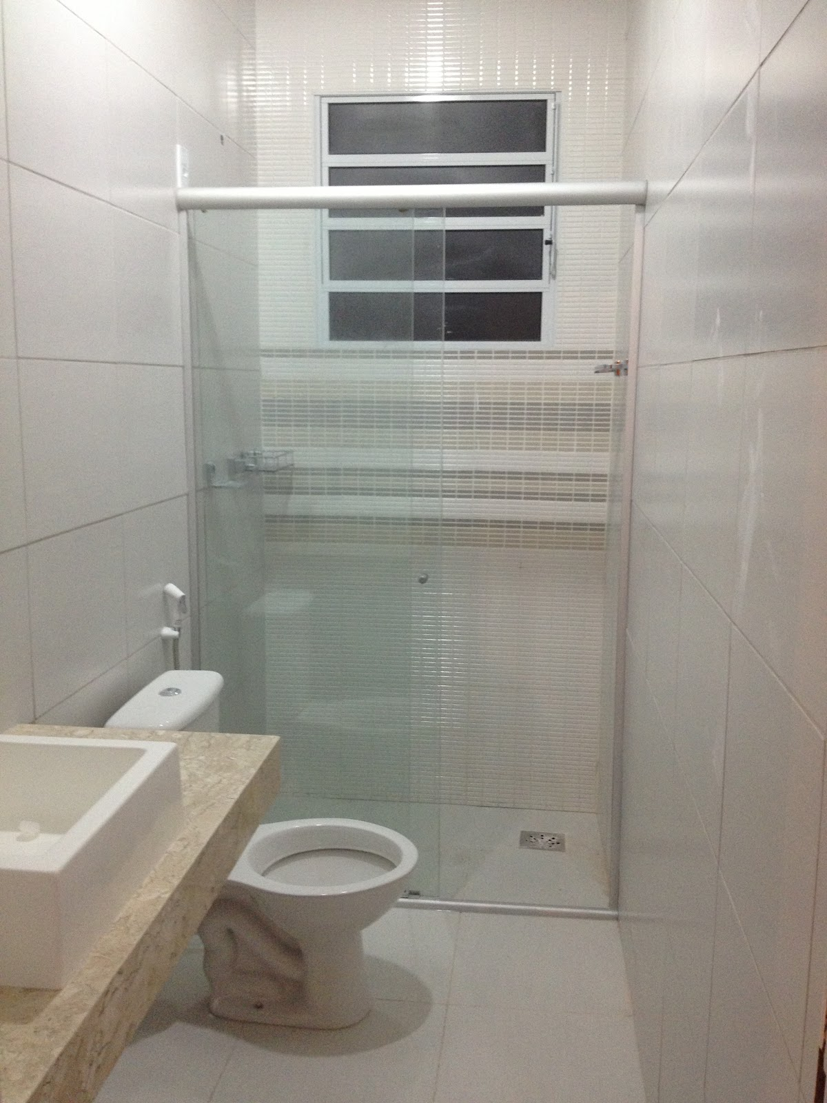 Etapa banheiros quase finalizada. Agora só falta eu instalar os  #70604E 1200 1600