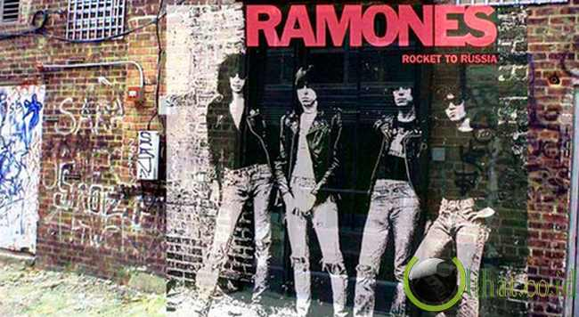 Ramones - 'ROCKET TO RUSSIA'
