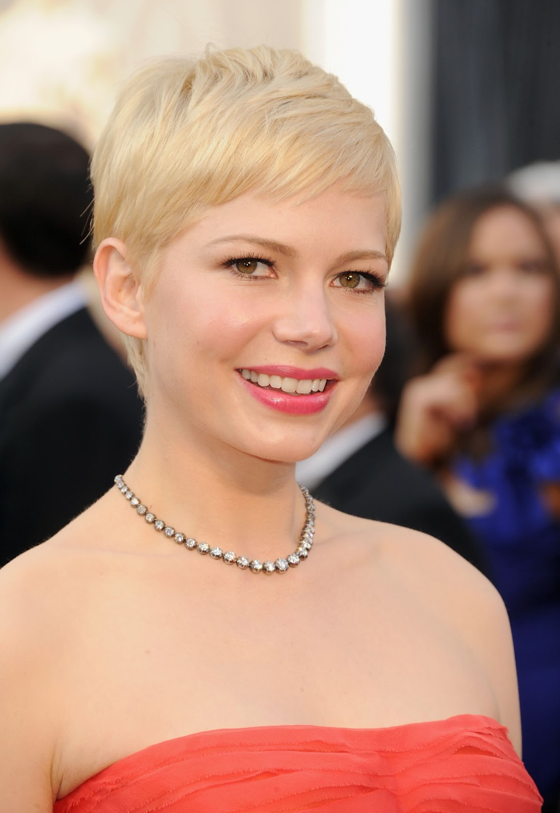 http://3.bp.blogspot.com/-9JjNuAPices/T01gFlFScaI/AAAAAAAAANQ/bgbIzsxVwmM/s1600/michelle_williams_84th_annual_academy_awards_26feb2012__7V29b3m.jpg