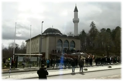 Azan Pertama Di Masjid Stockholm, Sweeden
