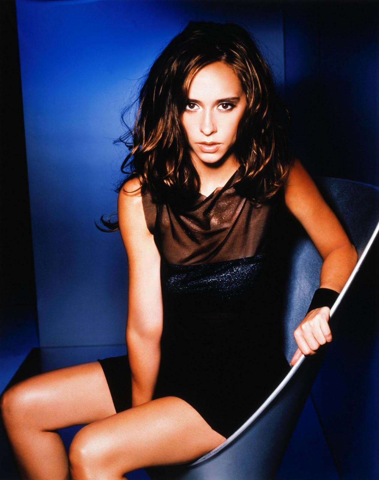 http://3.bp.blogspot.com/-9JpDep-rvQY/UDdi9gOj8GI/AAAAAAAAOLA/nCxktqiEq-I/s1600/Jennifer+Love+Hewitt+-+Maxim+Magazine+Photoshoot+1999+0006.jpg