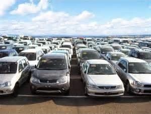 Membeli mobil bekas yang bagus dapat dilakukan dengan sedikit riset dan pertimbangan juga waktu yang tepat. Pertama, cari tahu tentang bisnis di daerah Anda yang menjual mobil second.