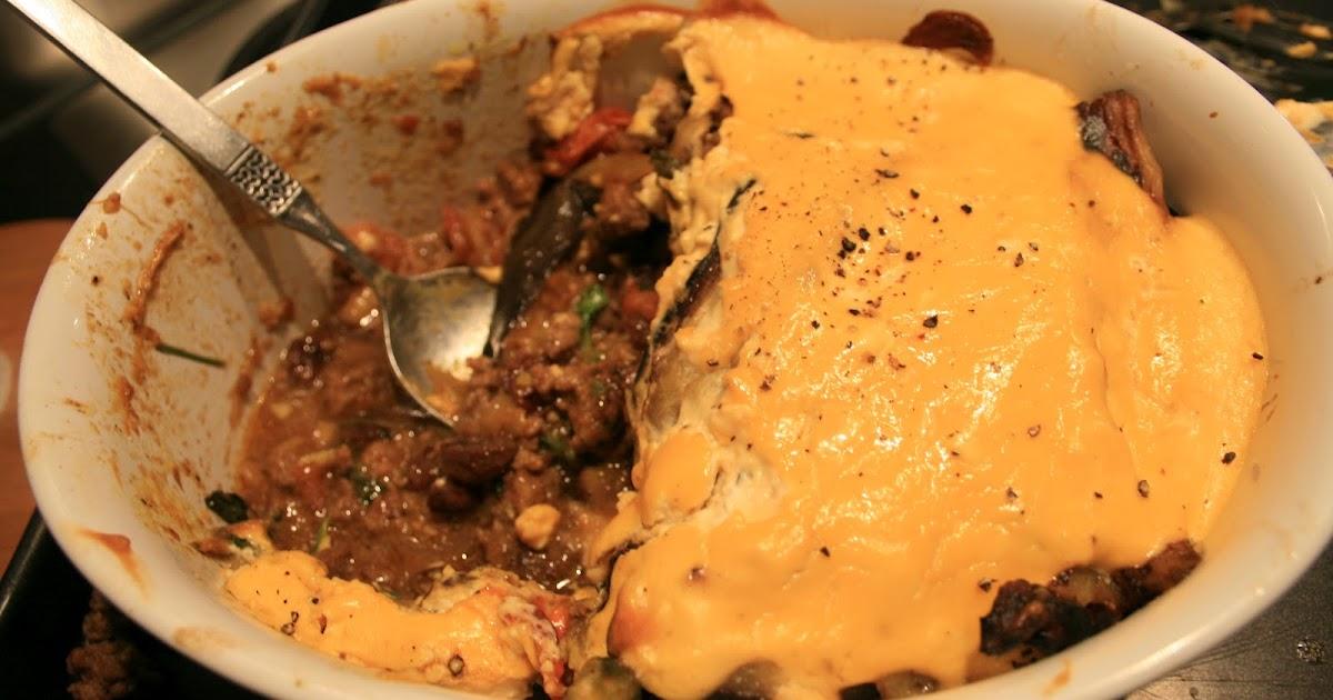 how to make moussaka sauce