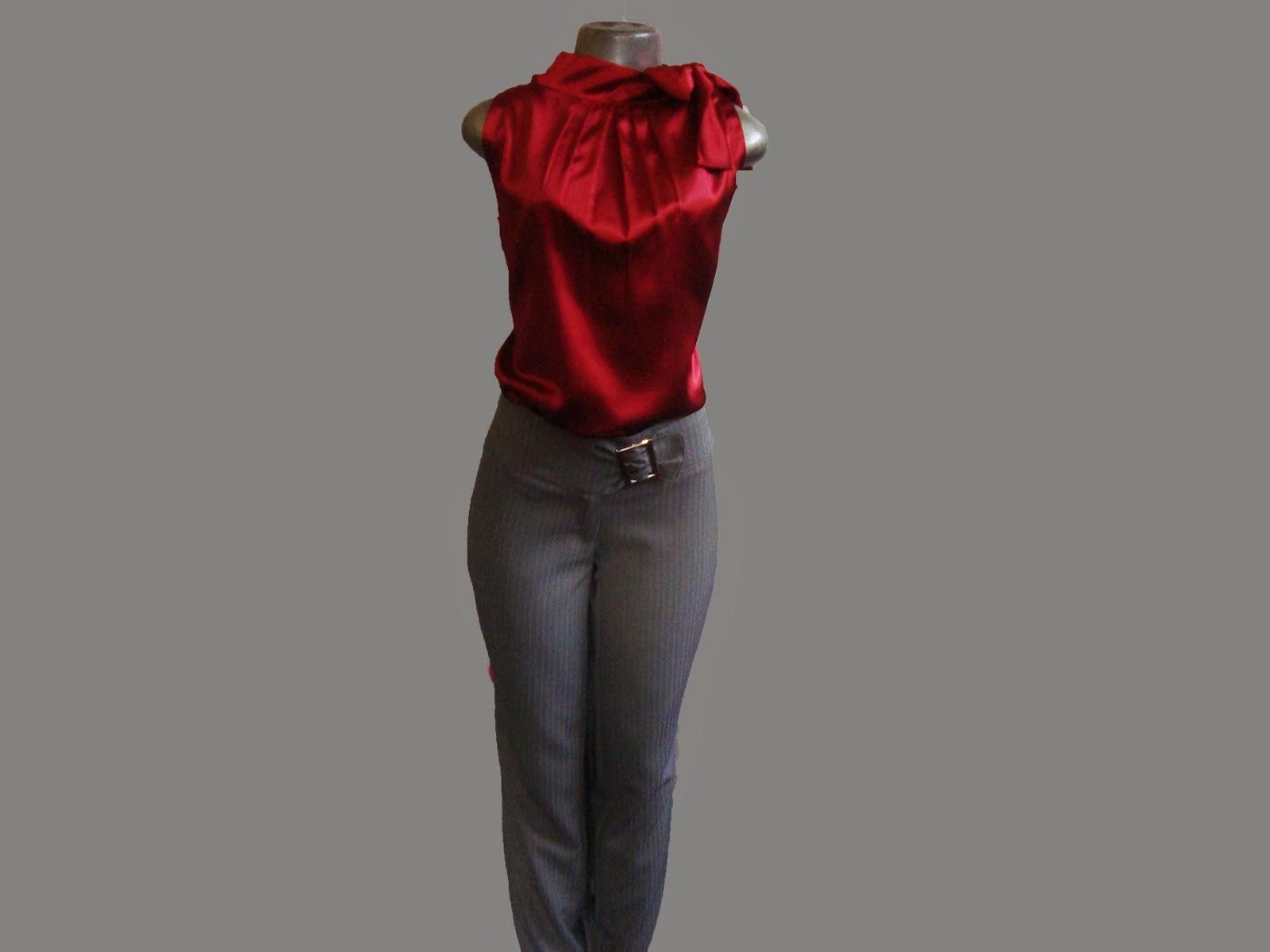 conj blusa de cetim e calça