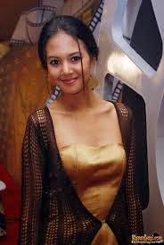 FOTO AURELIE MOEREMANS ARTIS INDONESIA BUGIL TERBARU