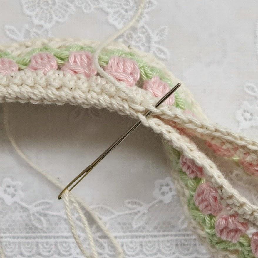 byHaafner, crochet, hanger, pattern, tulips, pastel