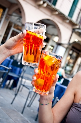 Sobre el daño y la profiláctica del fumar del alcoholismo de la narcomanía
