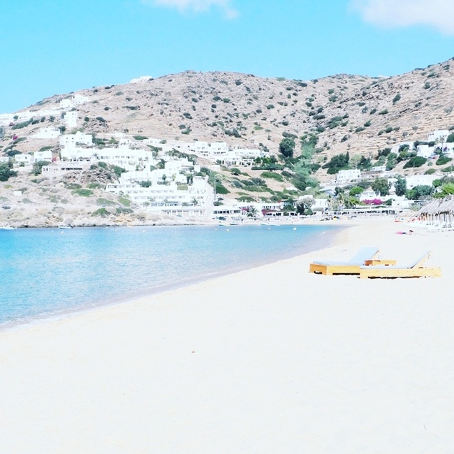 Jelena Zivanovic Instagram @lelazivanovic.Glam fab week.Ios beaches travel video;Agia Theodot,Psathi,Mylopotas.