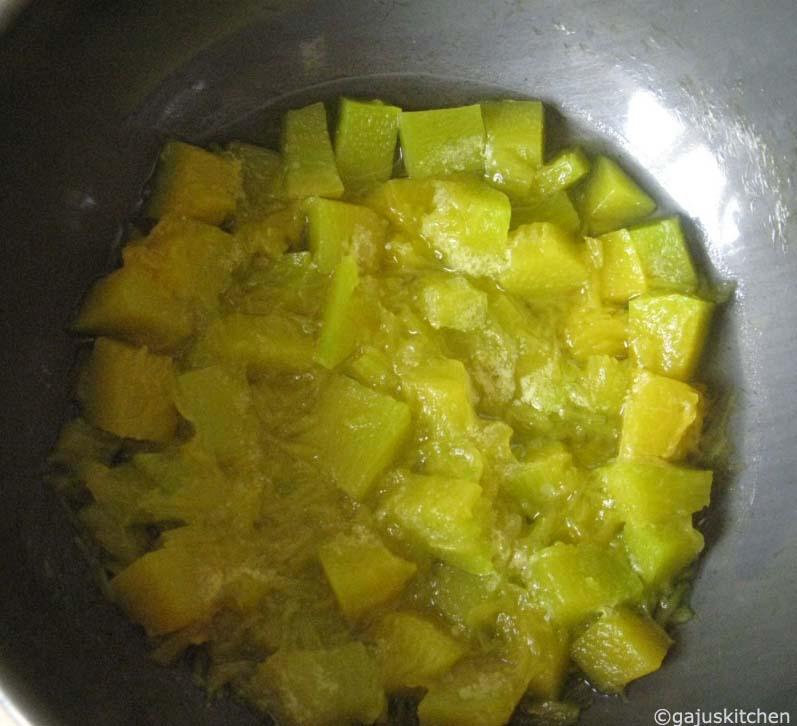 Boiling pumpkin cubes
