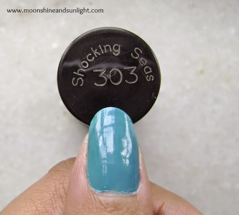 Indian nail art blog : Maybelline Colorshow in Shocking seas review and swatches