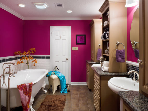 Purple bathroom decor