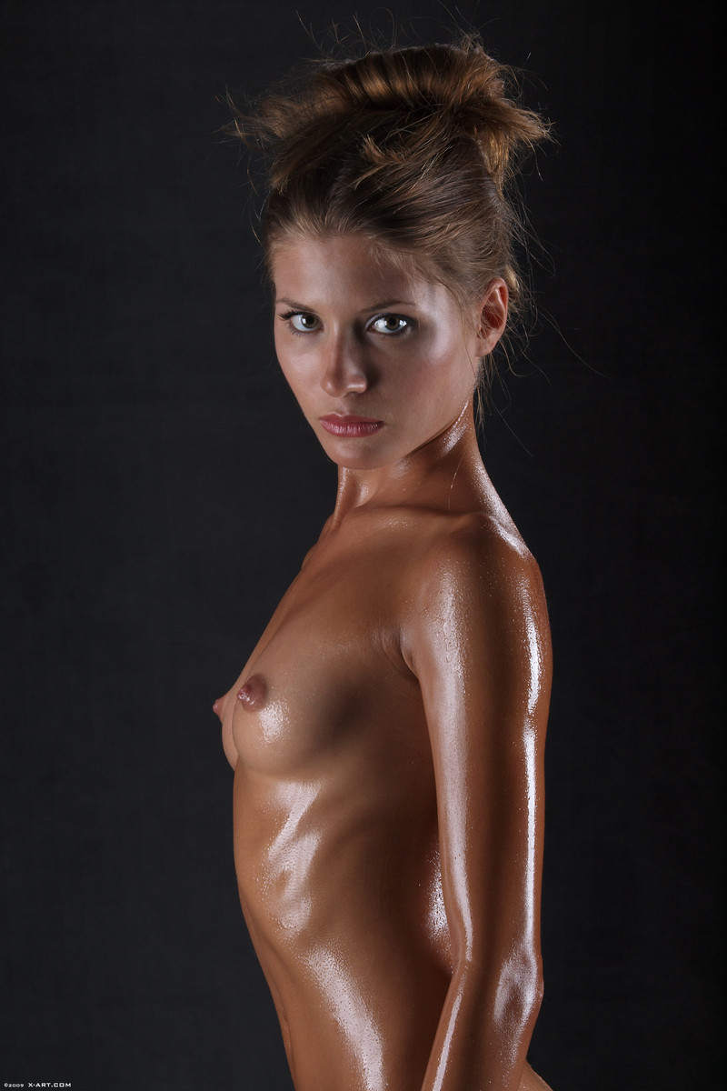 Oiled girls - RedBust