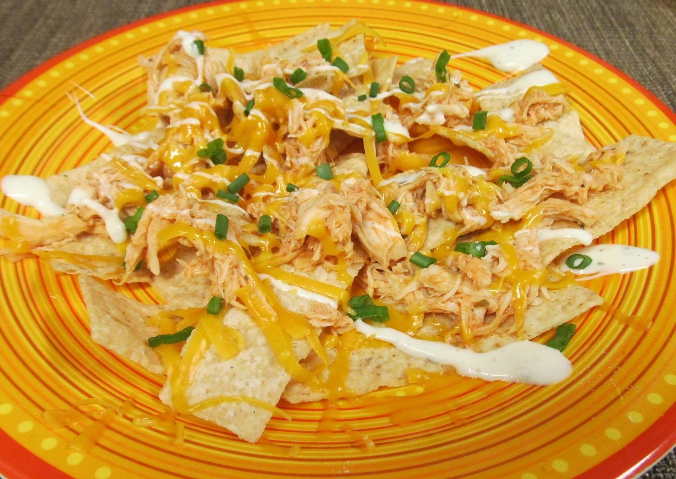 ... Healthy & Low Calorie: Slow Cooker Buffalo Chicken Nachos or Tacos