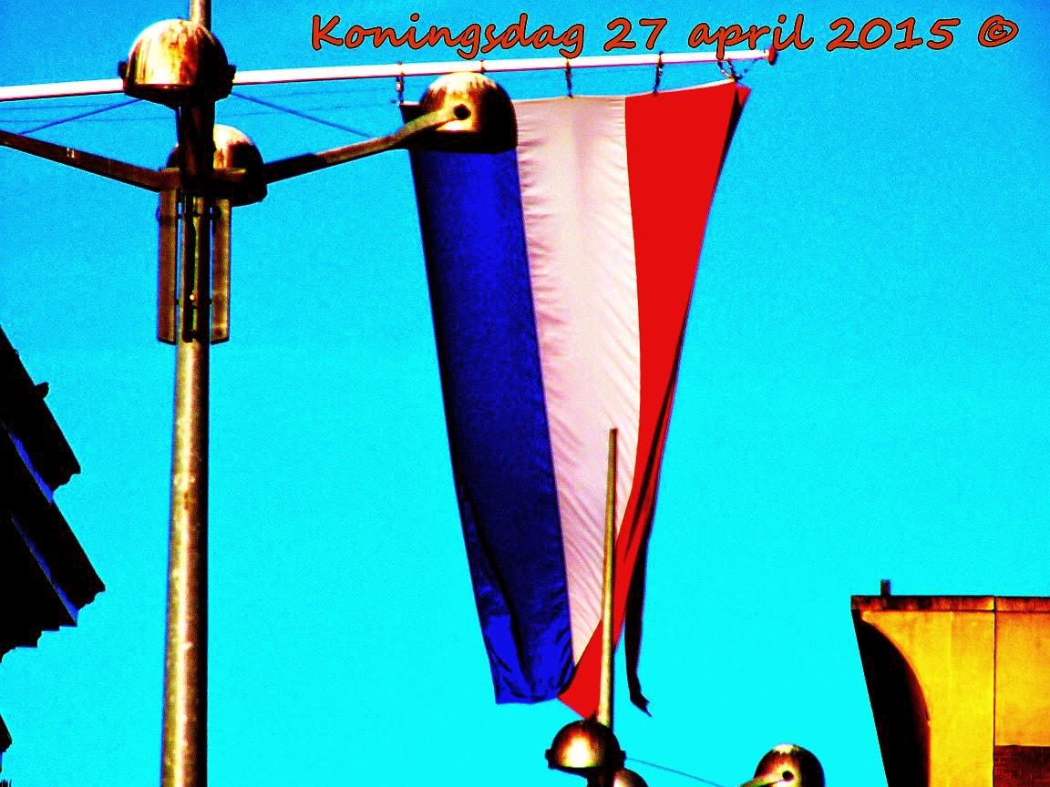 "<img src=""Koningsdag Vlag.jpg"" alt=""2015 afbeelding vlag in het centrum van Groningen.""></a>"