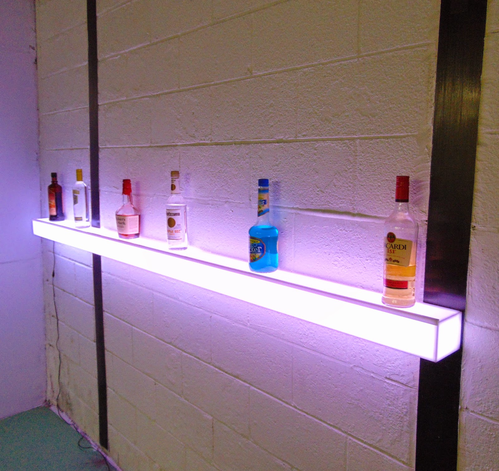 barchefs light up floating wall shelves add ambience to. Black Bedroom Furniture Sets. Home Design Ideas
