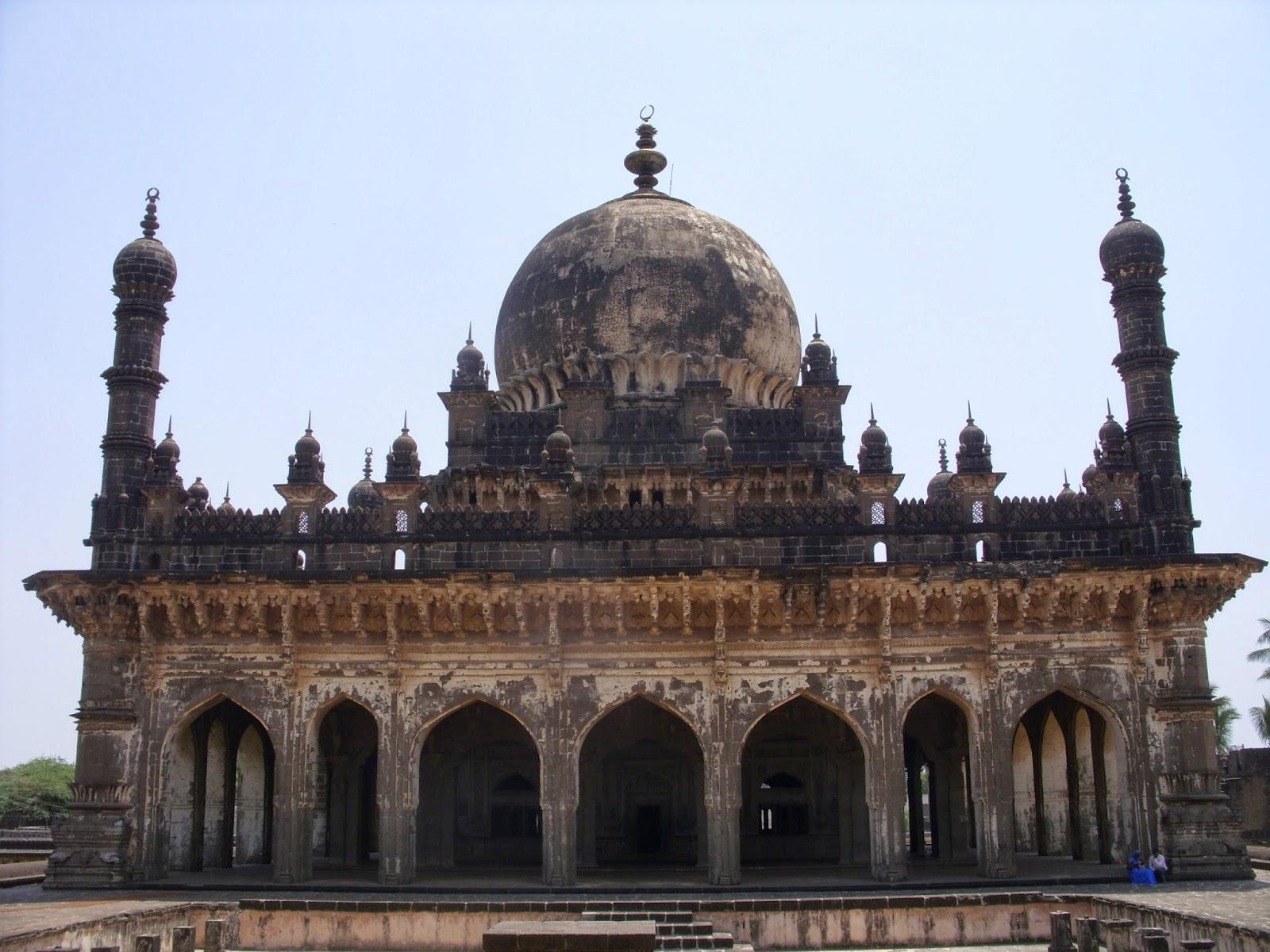 Ibrahim Rouza, Bijapur – The Black Taj of South India | I CRAVE ...