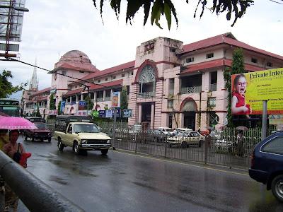 (Myanmar) – Yangon (Rangoon)  - Bogyoke Aung San Market