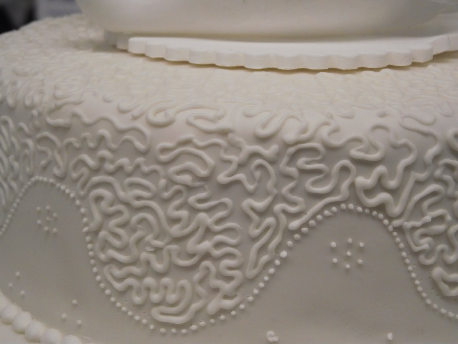 Sweet as a Kiss: Cornelli Wedding Cake