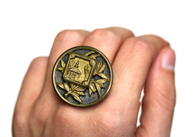 Golden Buddha Ring #antique #1800s #ring #jewelry #buddha #buddhist #asian