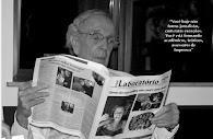 Alberto Dines lendo o Jornal da Facha