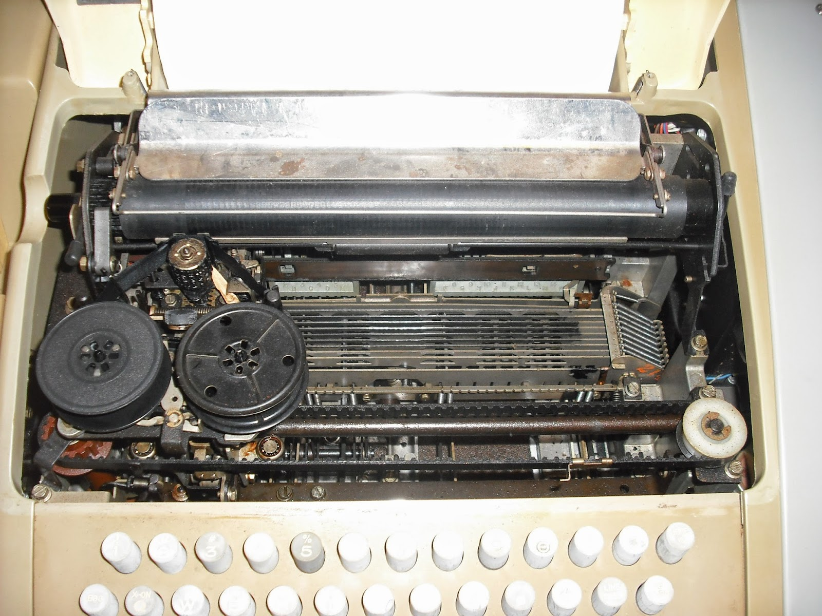 ASR 33 Teletype inside look