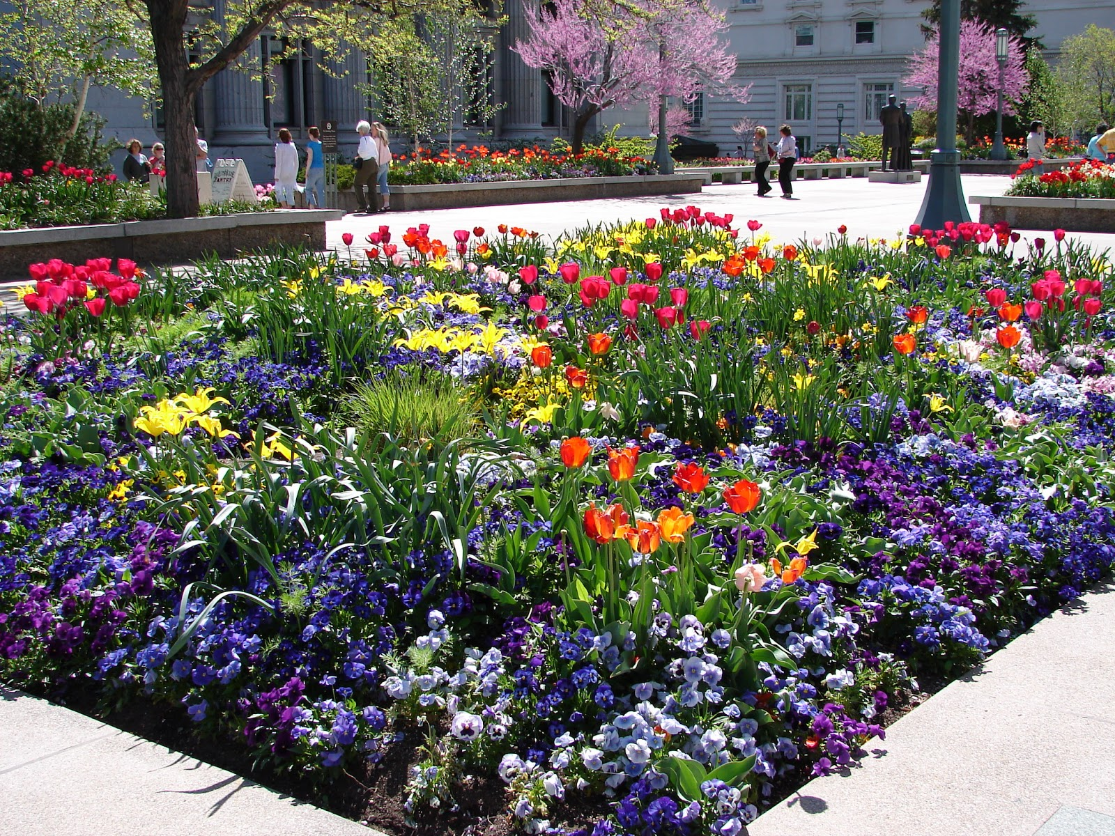 temple square gardens flowers, summer activities in Utah