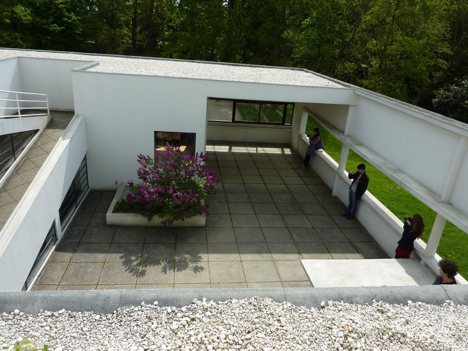 villas blanches de le corbusier parisienne curieuse. Black Bedroom Furniture Sets. Home Design Ideas