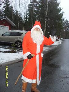 Joulupukkipalvelua@gmail.com yhteisöille ja perhekunnille