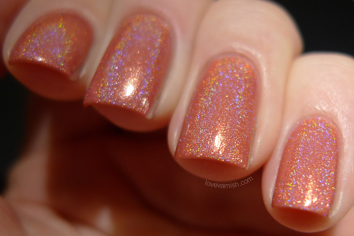 Cirque Heritage Luminous Owl warm coral holographic polish