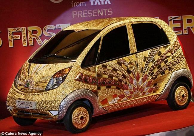 http://3.bp.blogspot.com/-9Ni_U2xwuBc/TocbM5Q_ruI/AAAAAAAAjaI/I0OJmelMZJM/s1600/Tata+Nano+Gold+Car-004.jpg