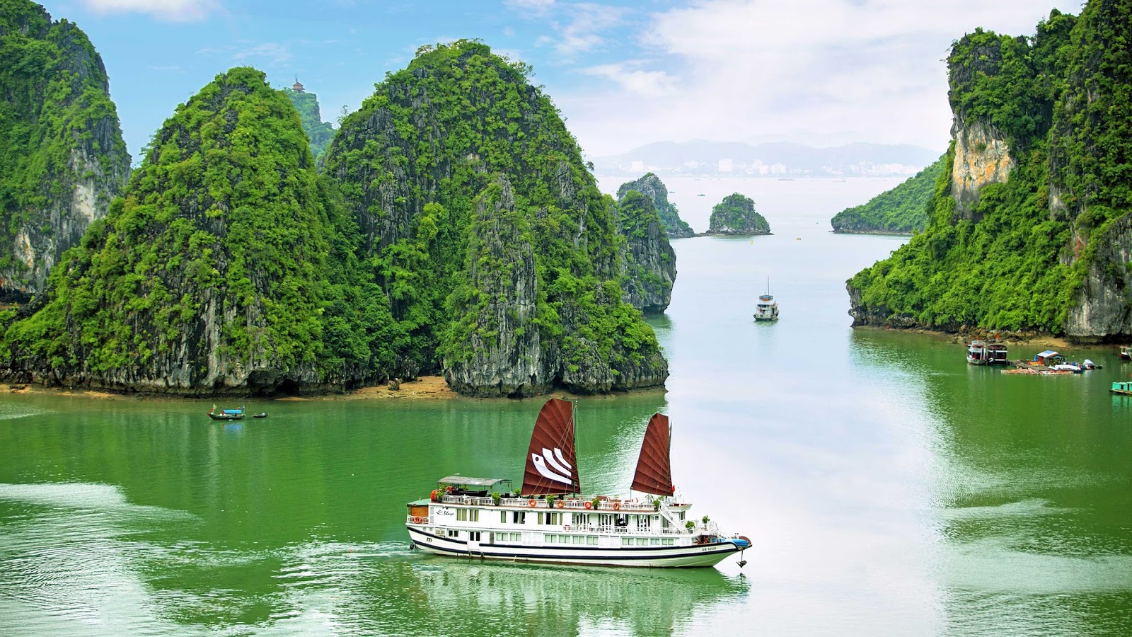 Download Ha Long Bay Wallpapers
