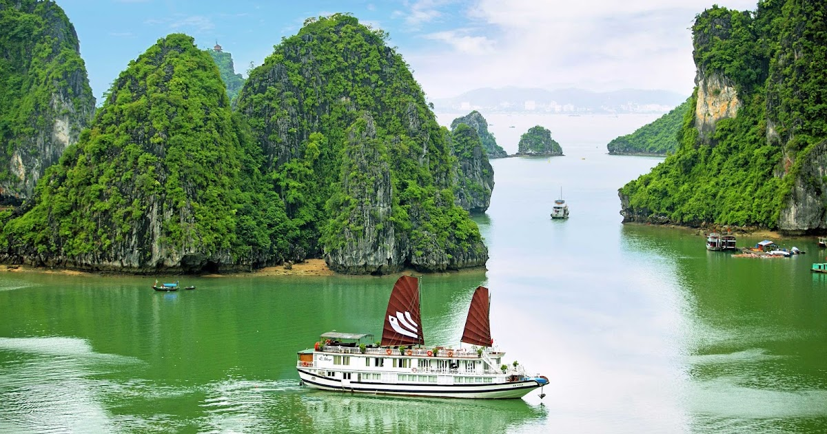 Download Ha Long Bay Wallpapers Most Beautiful Places In The World Download Free Wallpapers