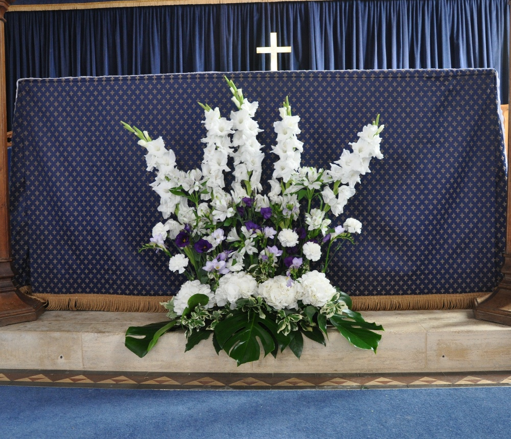 Best Altar Flower Arrangements: Helen Jane Floristry: Flowers For Your Wedding Ceremony
