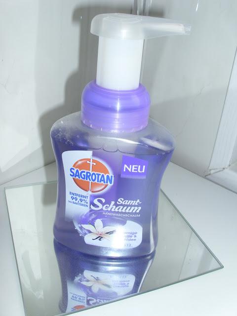 Sagrotan samt-schaum handwaschschaum entfernt 99,9% der bakterien