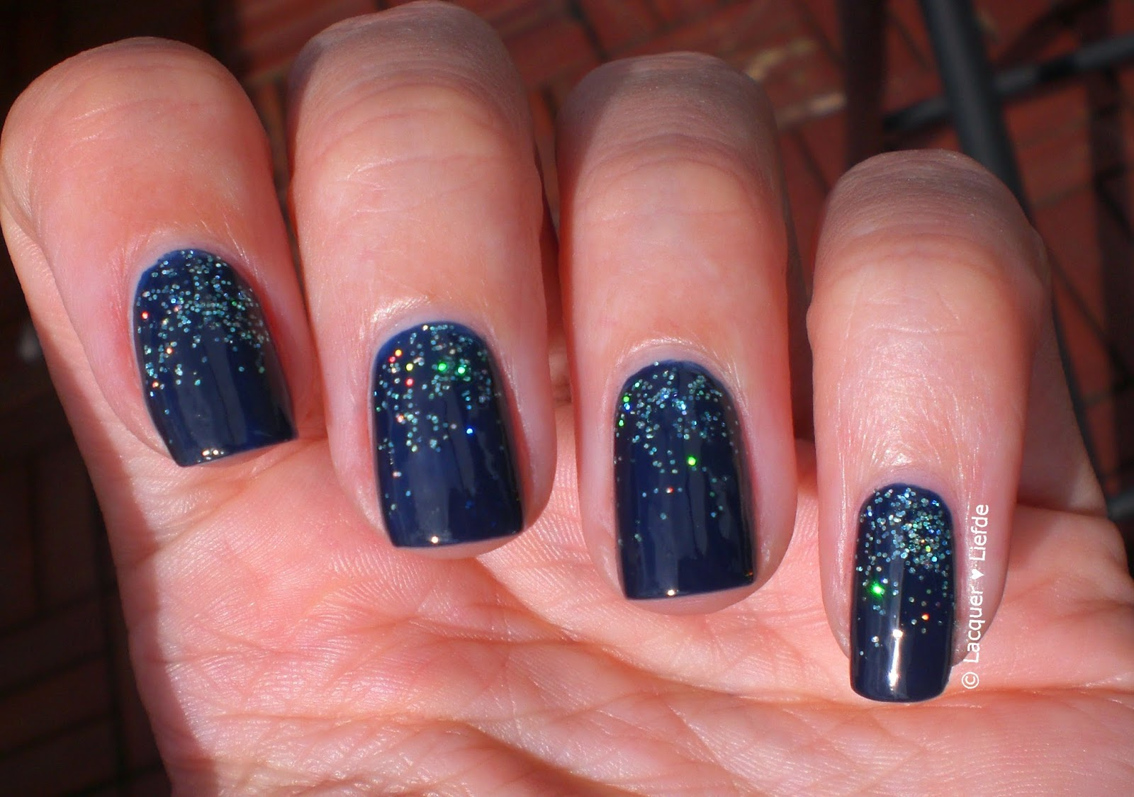 Sally Hansen so nata Problem, Rival de Loop Snow Glitter