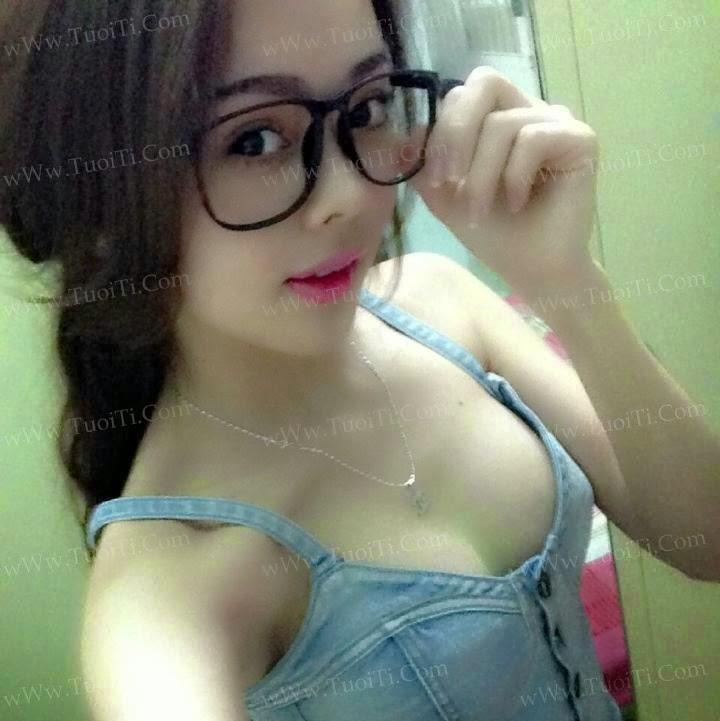 Ảnh gái xinh Yuni Trang trẻ nhưng siêu dâm