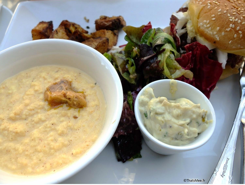 assiette oeufs brouillés foie gras pdt sautées brunch Le Beaumarchais Paris Bastille café restaurant, brunch pas cher à Paris Beaumarchais