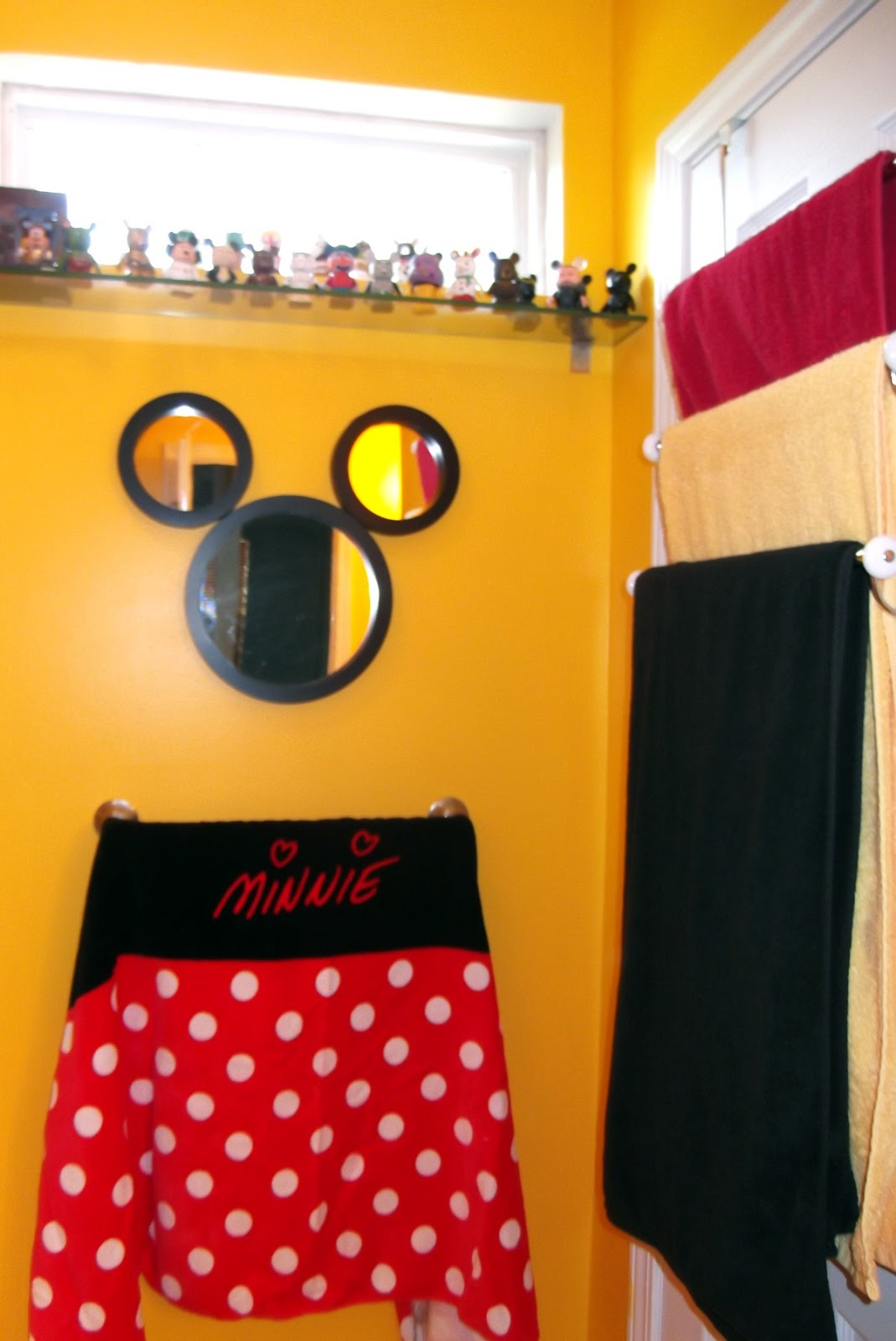 My Mickey Mouse Bathroom - Tips from the Disney Divas and Devos