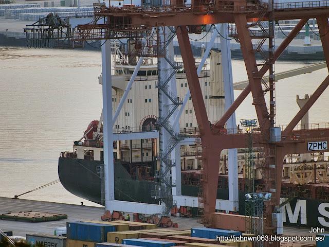 fotos de barcos, imagenes de barcos, msc uma, container ship, containero, vigo