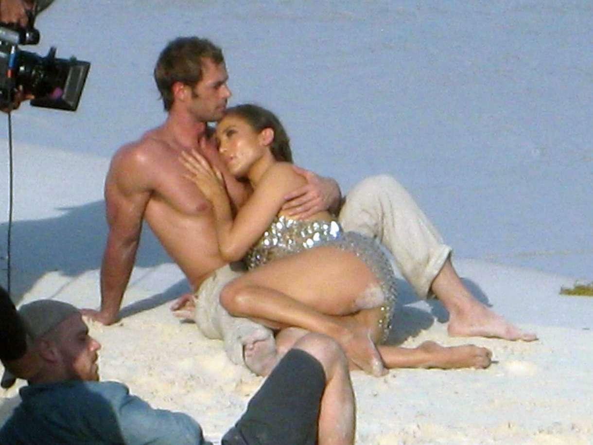 Рассказы секс втроём на пляже, Свингеры рассказы -историй. Читать порно онлайн 2 фотография