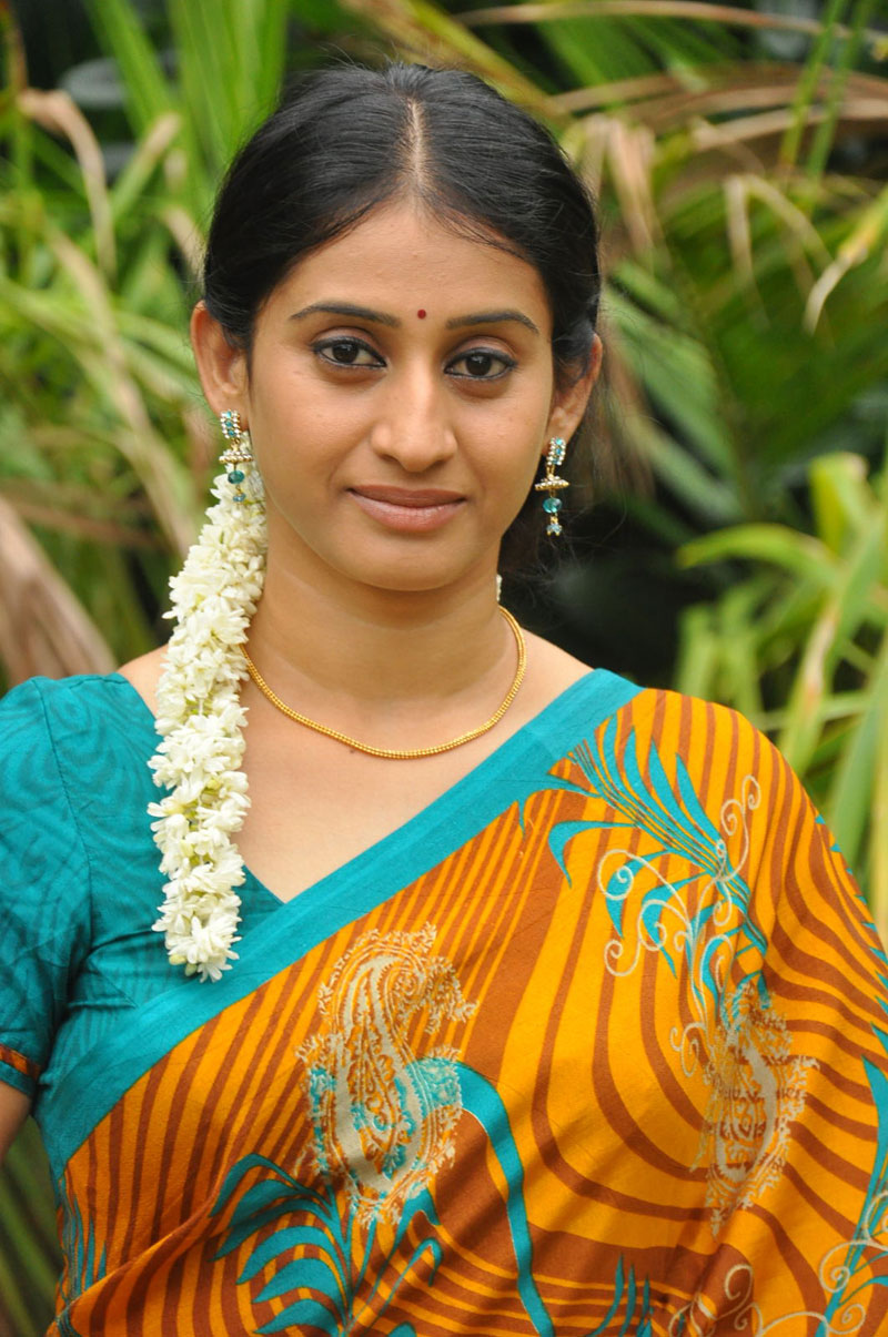TV Serail Actress Meena Cute Photos Gallery | Tamil Tv Serials ...