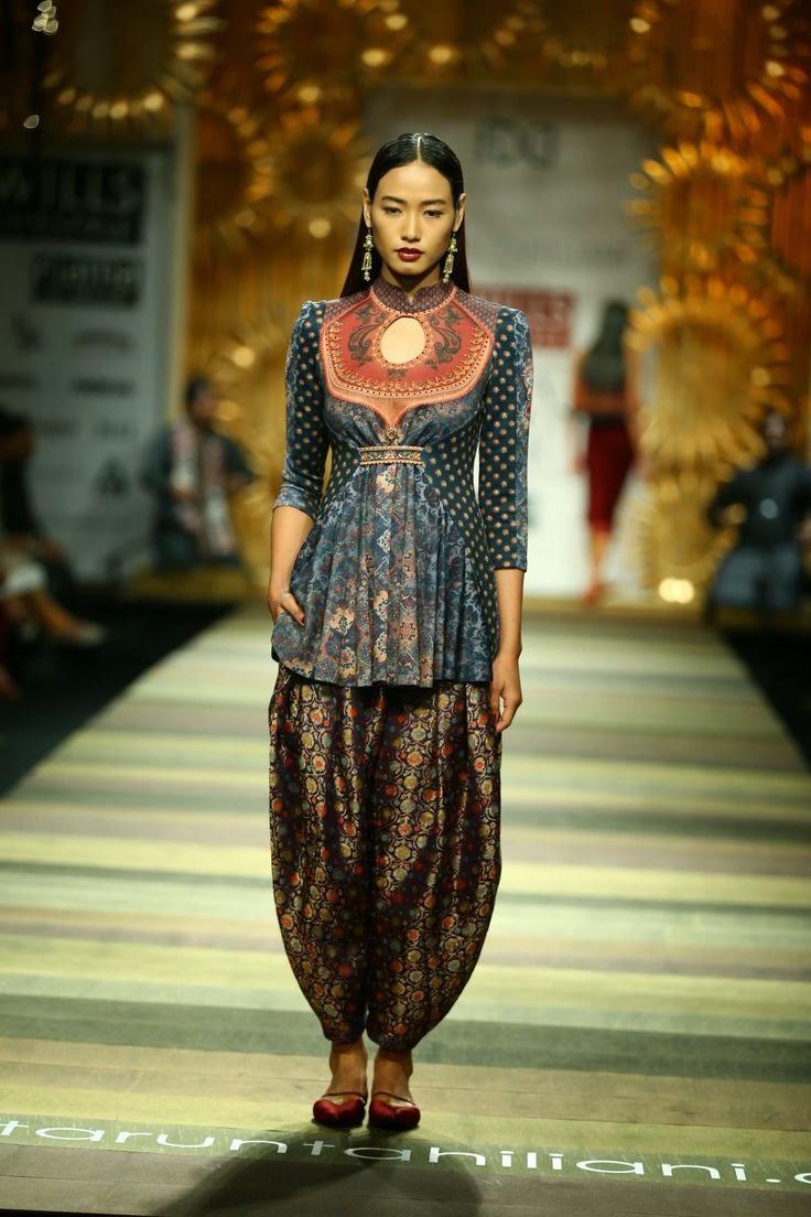 Tarun tahiliani show at wills lifestyle india fashion week 2014 vega fashion mom Wills lifestyle fashion week