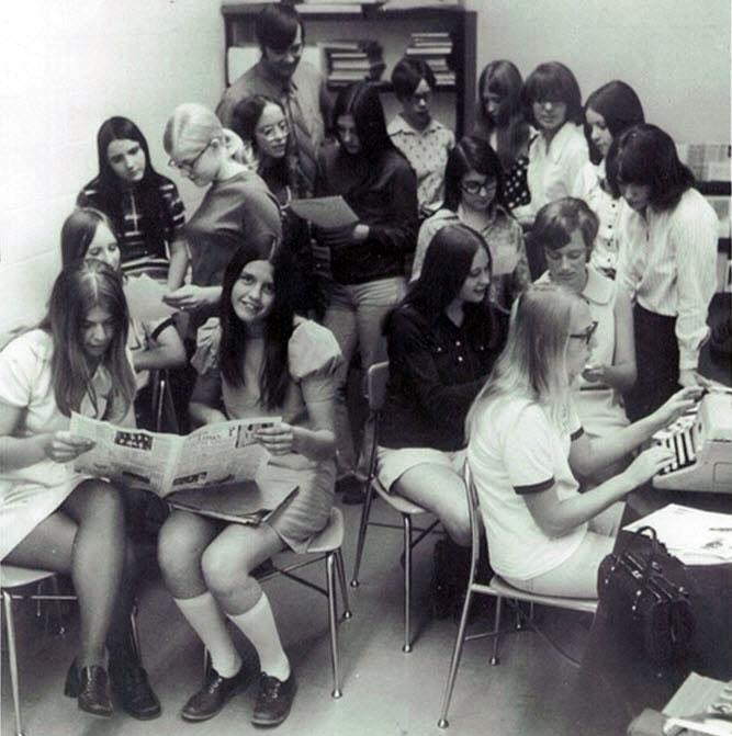 1960s fashion history 1970s mini skirt 1970s fashion