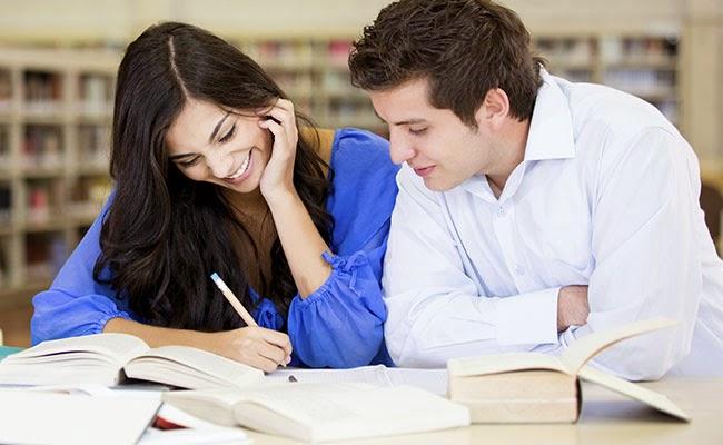 homem com mulher faculdade