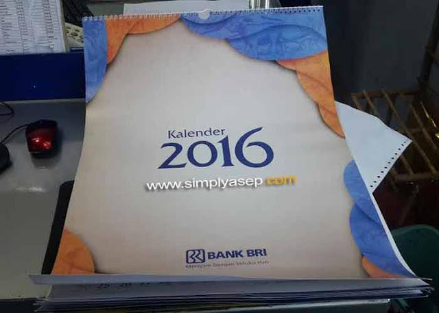 Inilah kalender 2016 Bank BRI yang saya terima dari Customer Service Bank BRI Gajah Mada hari Jumat itu.  Terima Kasih Bank BRI.  Ini kalender 2016 yang pertama saya terima dari Bank BRI.  Foto Asep Haryono
