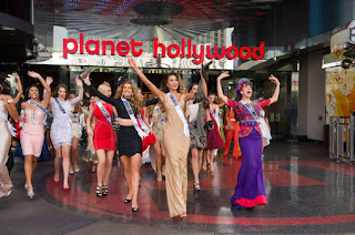 7 грудня в Лас-Вегасі відбулася привітальна вечірка майбутнього міжнародного конкурсу краси Міс Всесвіт 2015.
